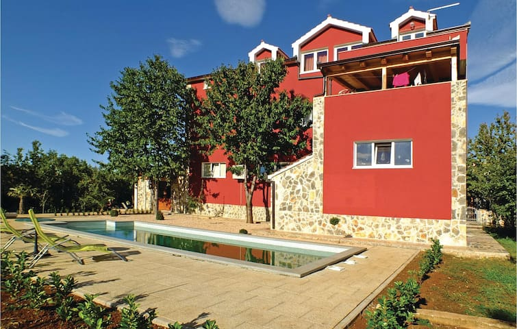 Holiday apartment with 4 bedrooms on 124 m²