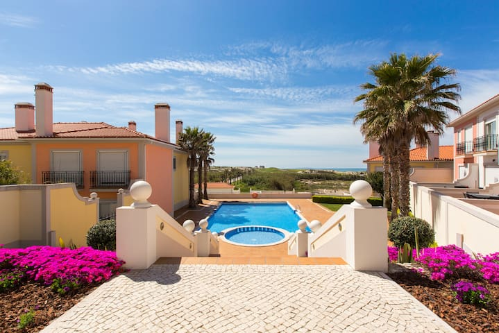 Vila da Praia, Casa na Praia D'el Rey F2