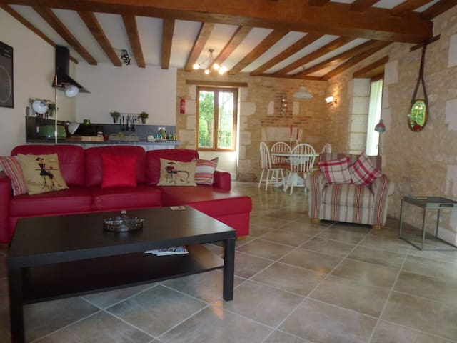 Riverside Apartment in a Watermill on the river - Chasseneuil-sur-Bonnieure - Apartament