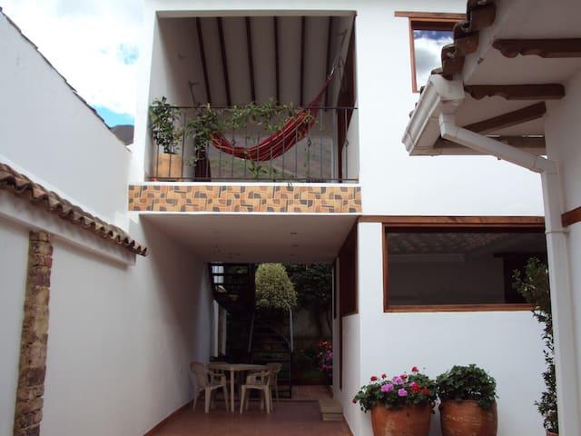 Cabaña  Central con 2 Habitaciones independientes - Villa de Leyva - Chatka