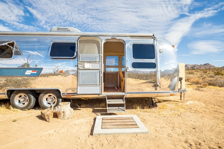 This Must Be The Place! Airstream w/Hot Tub JTNP