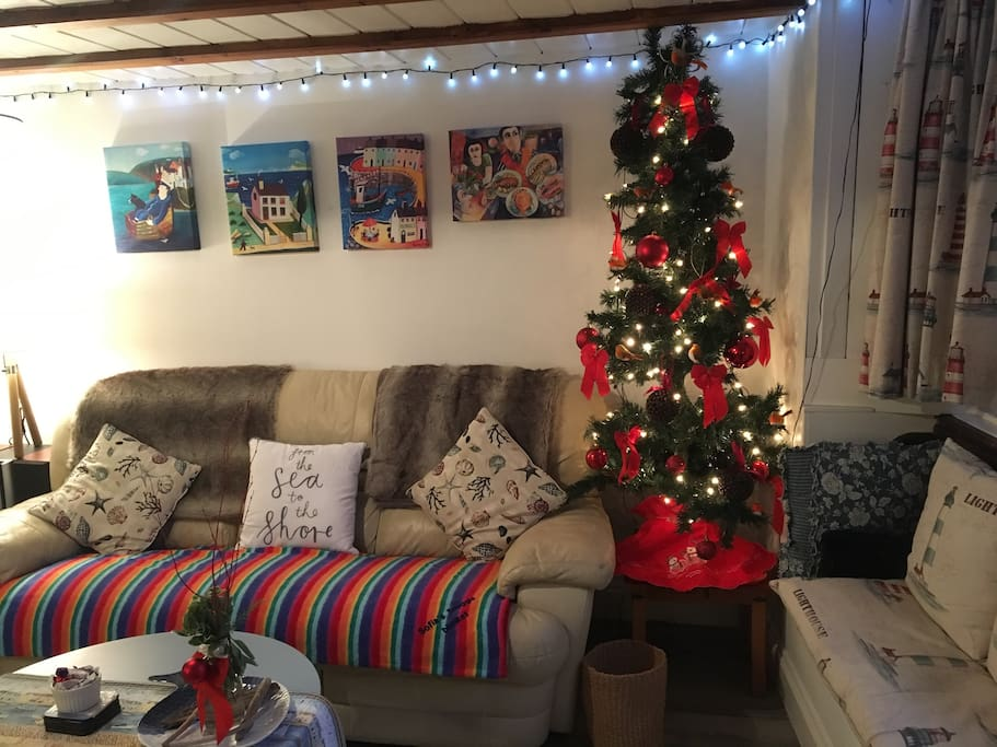Christmas Season at Rockpool Cottage.  Happy Christmas to all my lovely guests .