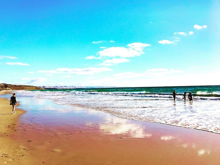 Paradise at Moana Beach - Absolute Beach Front!