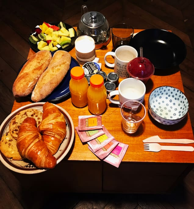 You'll surely be treated with a full parisian breakfast delivered at your door for your firts day if you stay for a week