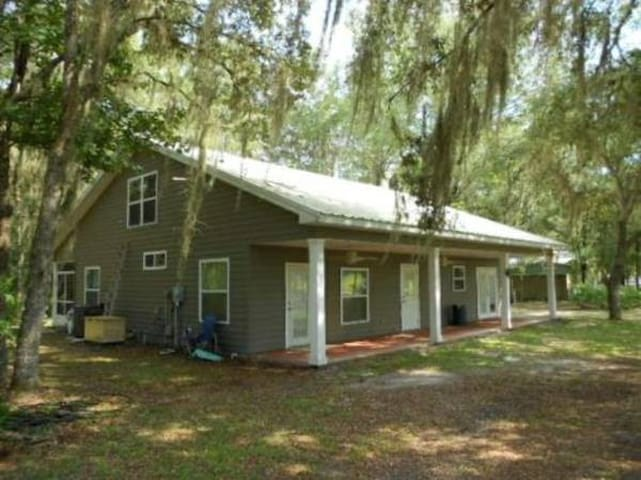 Suwanee River House Rental - Old Town - Hus