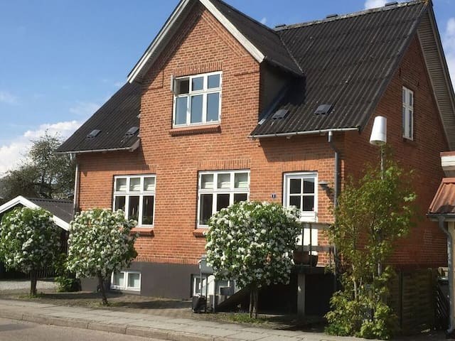 Rent our basement for 4-5 persons, near Aarhus