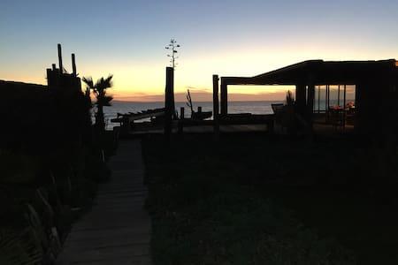 Ocean front, terrace, garden - El Sauzal