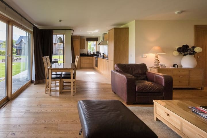 Mains of Taymouth, Kenmore, 5* 7 The Gallops, pet friendly