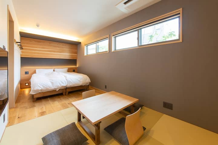 Private Hotel for Up to 3! Near Downtown (KIKI101)