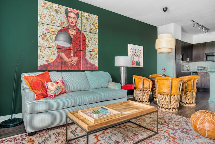 1BR South Congress Apt #2331 | Pool by WanderJaunt
