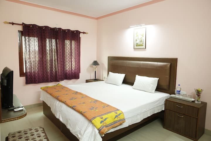 Truly Indian Homestay with Garden view rooms
