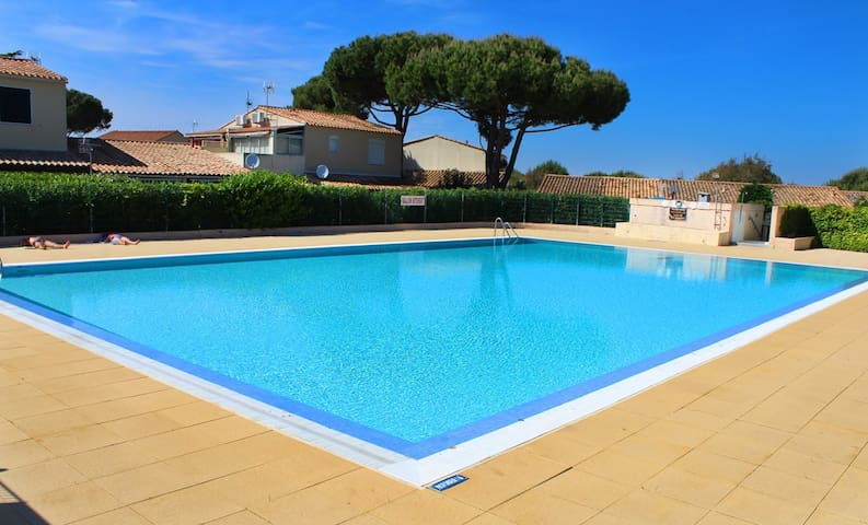 Attached villa in a quiet residence in the pine forest - Cap d'Agde