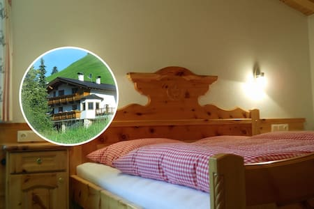 "Simple Living, Couple&Breakfast, Room ""Forest"" - Finkenberg - Szoba reggelivel"