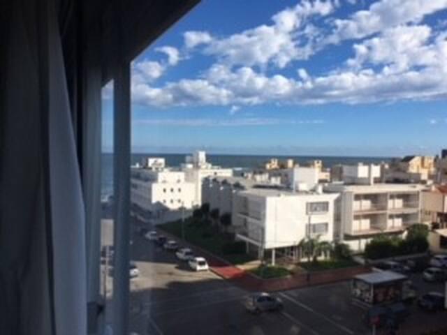 Vista a playa brava desde el apartamento.