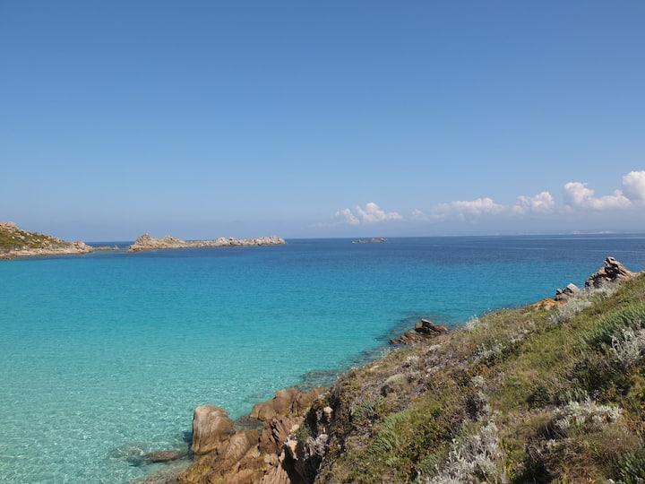 Bivano con vista sulla Corsica