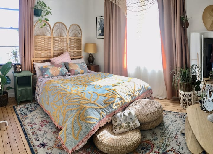 Bright & boho bedroom in the burbs