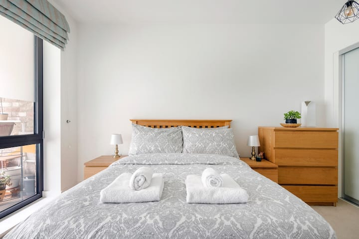 Bright & comfy apartment in Canary Wharf O2 Excel