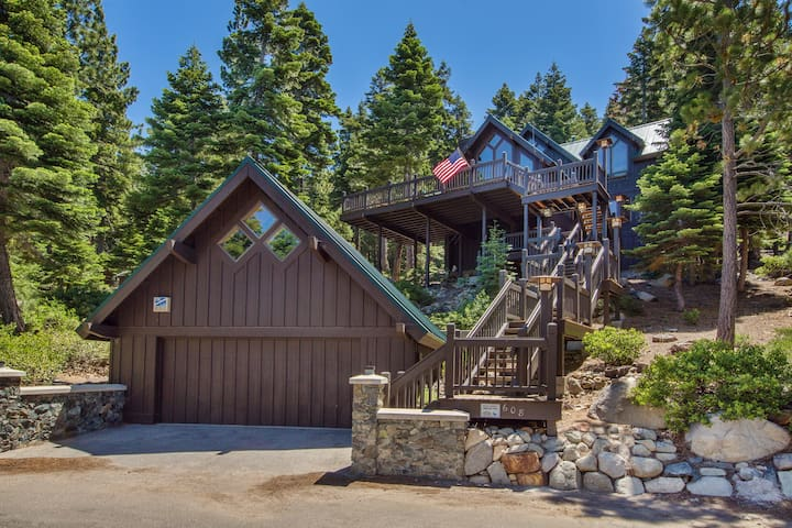 Fallen Leaf Lake Front Family Retreat