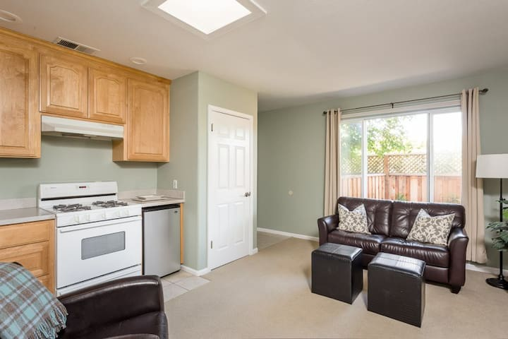 Nice cozy unit close to everything - Menlo Park - Appartement
