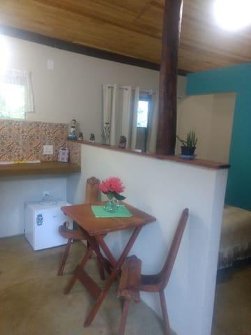Lofts independentes confortáveis e charmosos.