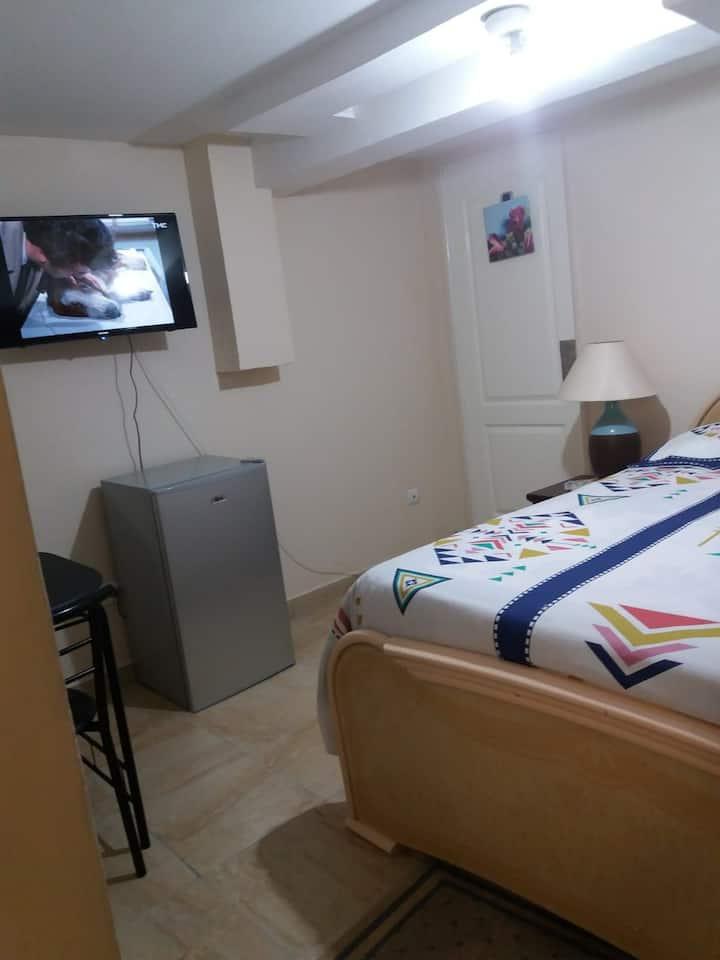 Chambre 3 confortable proche du Bourget