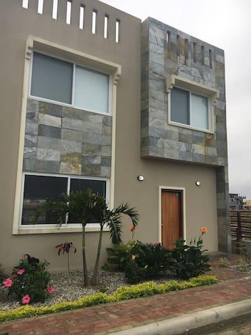 Modern Masterpiece Mirador San Jose - Puerto Cayo