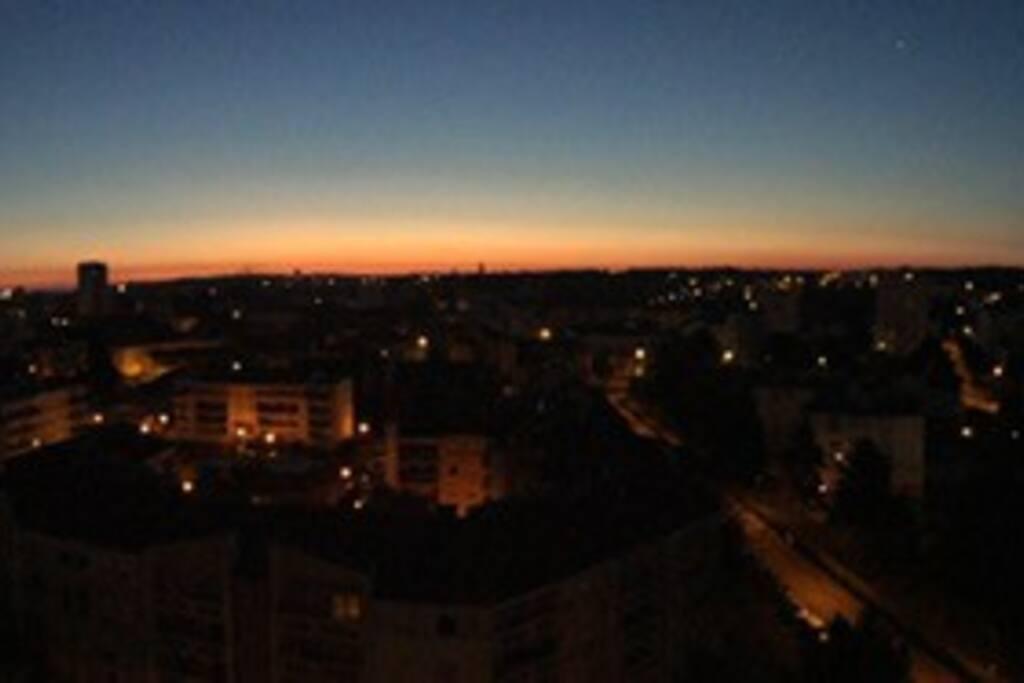 Vue de la terrasse de la chambre, au lever du soleil