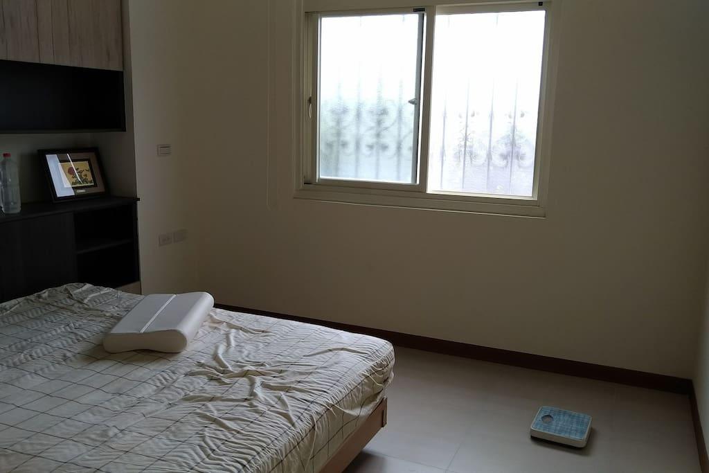 主臥室, master bedroom