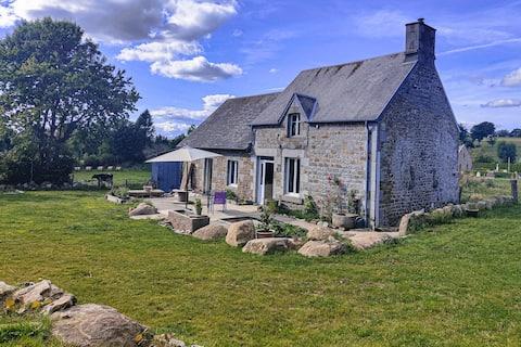 Maison pierre au cœur du bocage normand