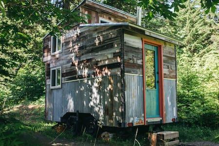 The Cedar Shack by The Klickitat Treehouse