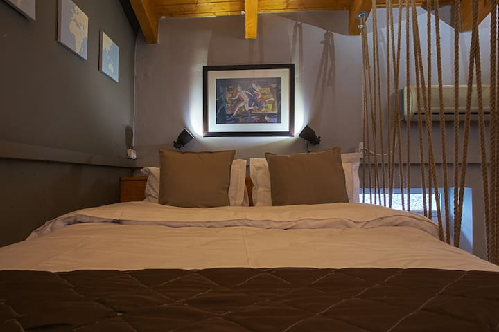 Queen size bed (1.60x2.00)