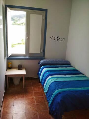 Habitación Individual en Nois a 500 m de la playa
