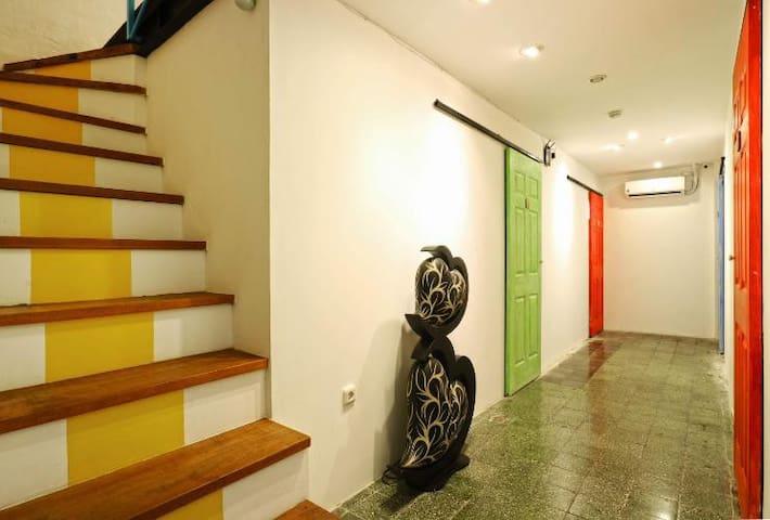 Mix Dorm For Group 8 Bed Mels Dorm Hostel Kota Tua
