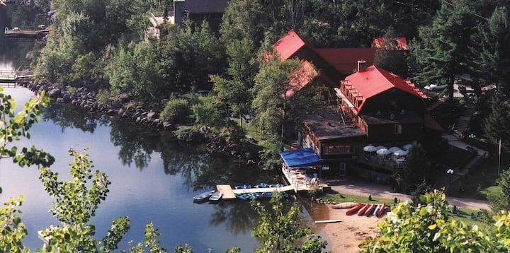 Auberge du Lac Morency St Hippolyte * 1B