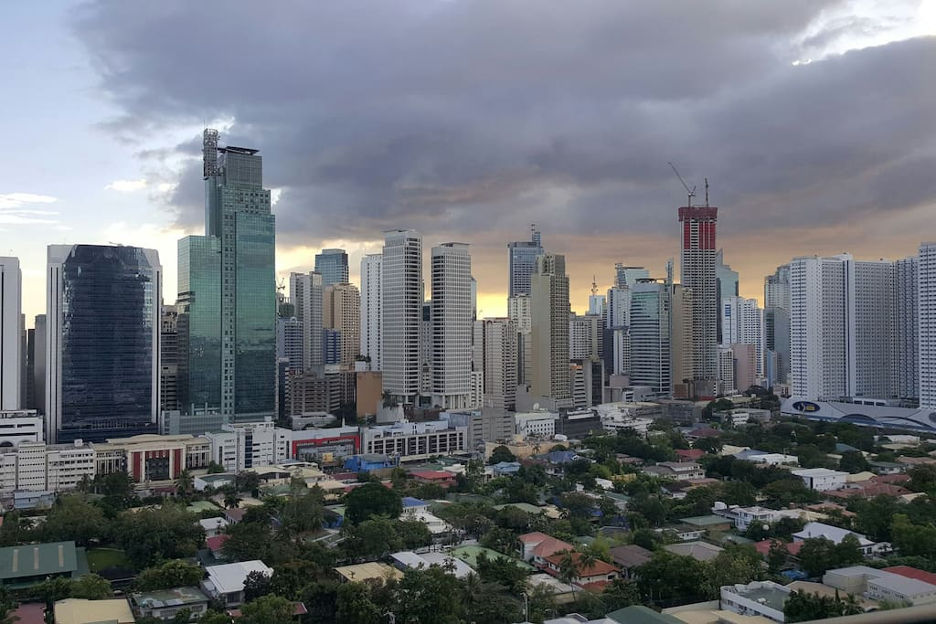 Loft unit are garranteed with a Perfect Makati Skyline View, this is what you will experience in your second home away from home
