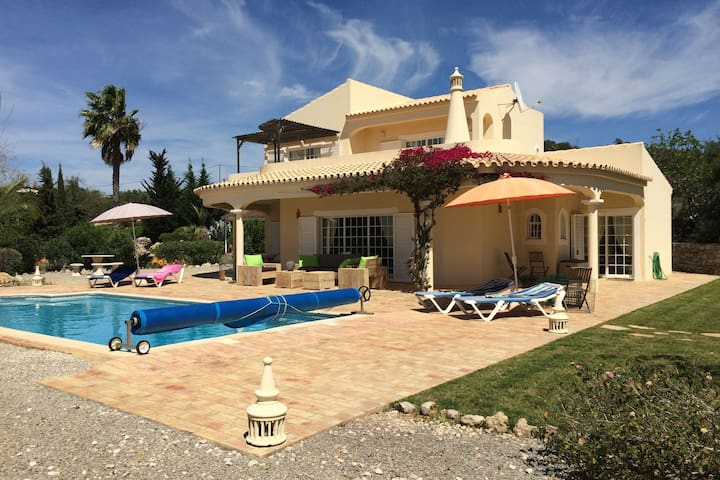 Comfortable detached child-friendly villa with private pool
