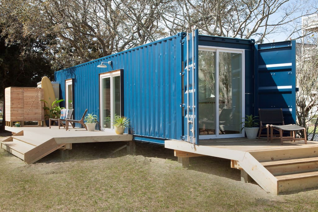 Modern beach container home 2 tiny houses for rent in for Modern house rental