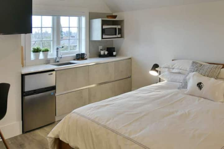 VanderMarck Suite 308 - Studio