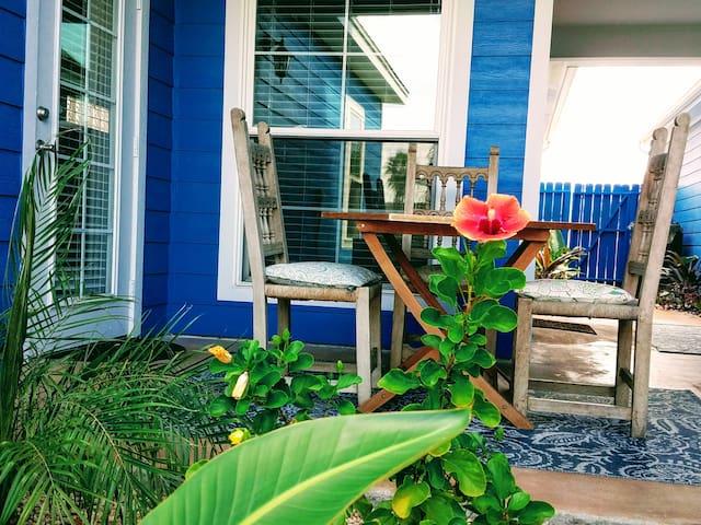 2/2 Havana Cabana /Key West w priv yard & by pool