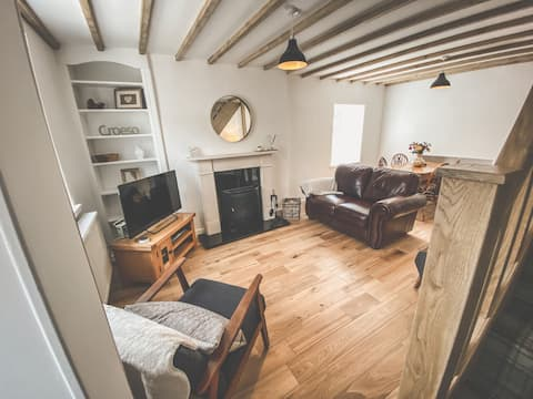 Stunning, cosy cottage near Conwy in Conwy Valley
