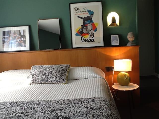 PETIT HOTEL DE CHARME DANS LE CHAROLAIS - Charolles - Bed & Breakfast