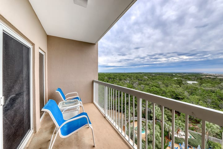 Beaming studio w/balcony with ocean and nature views, shared hot tub & pool!