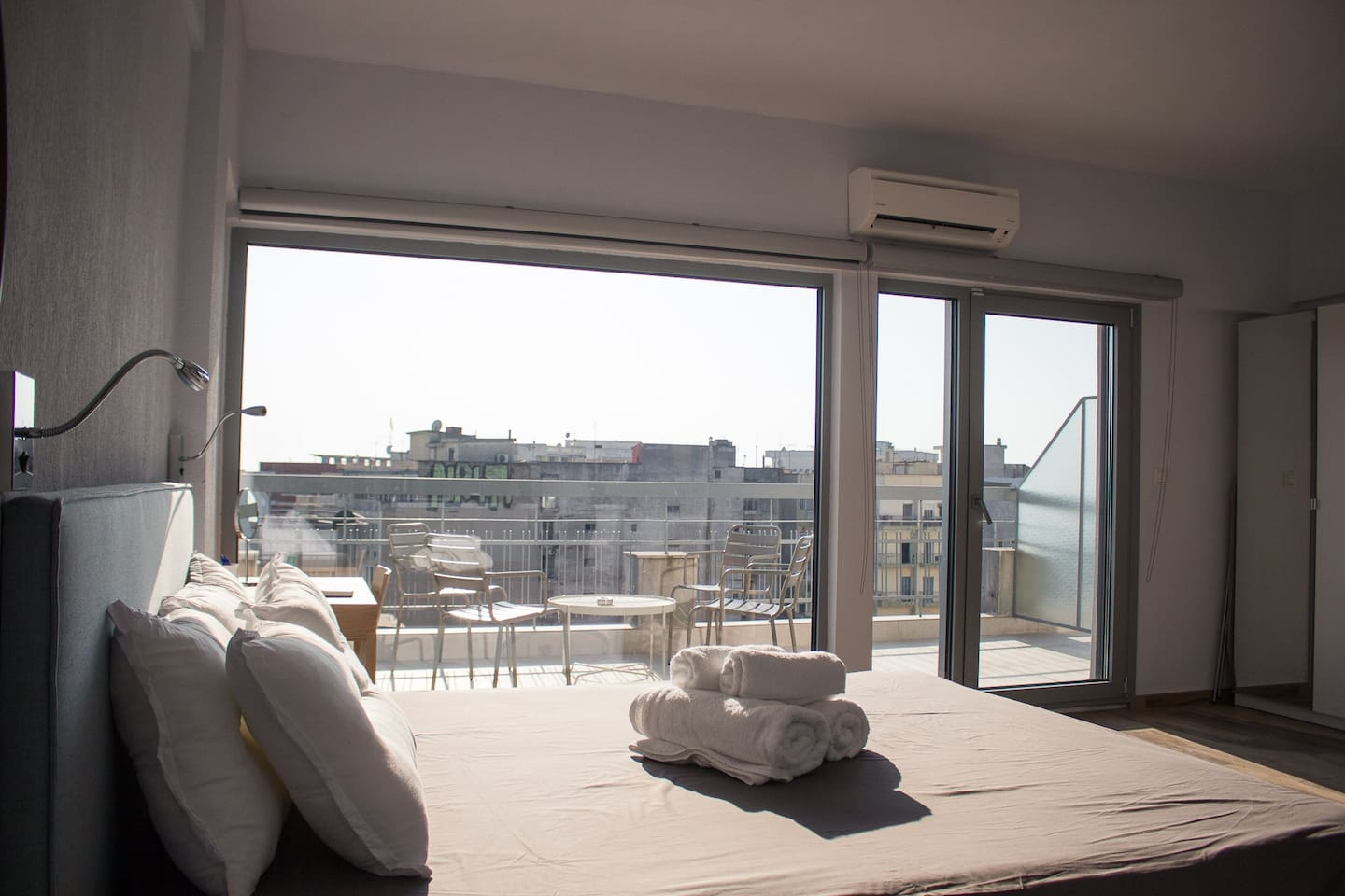 Sky apartments with city view in the heart of Thessaloniki
