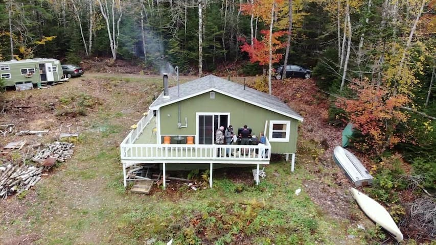 Beautiful Family Cottage with lake frontage!