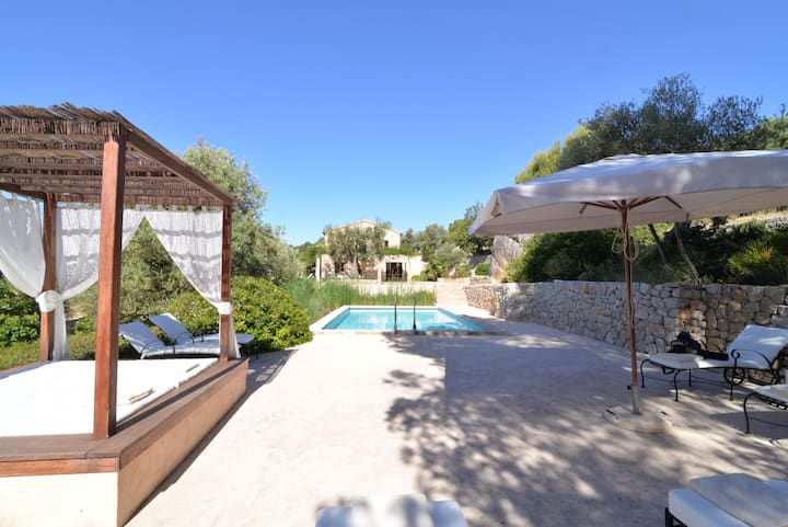 Beautiful villa with seaview near Camp de Mar