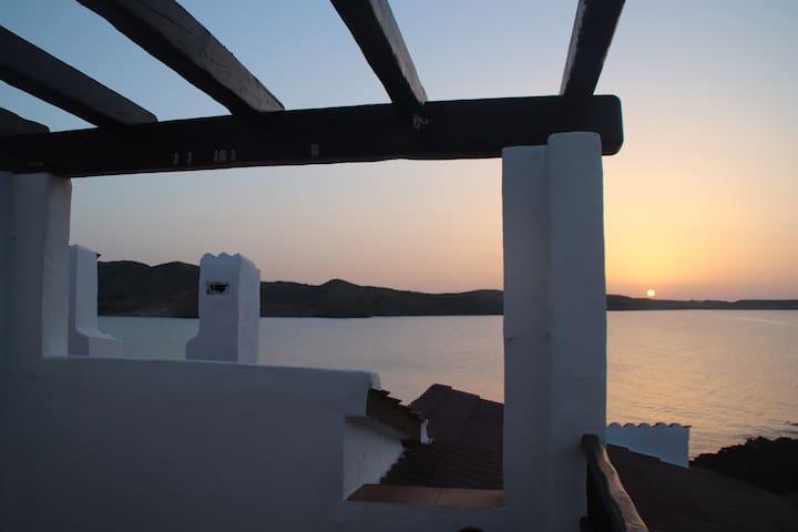 Situado enfrente del mar, vistas espectaculares