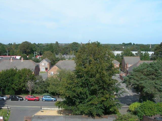 2 bedroomed apartment - long term let available - Poole - Appartement