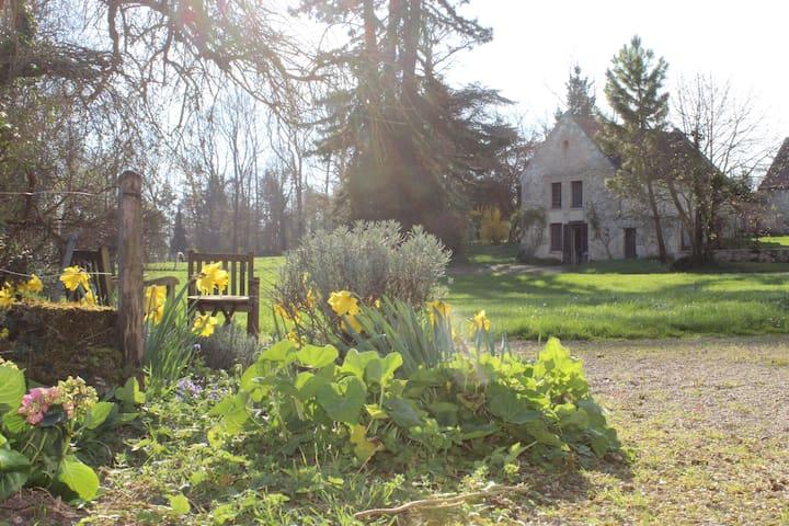 Au château de Paars, la maison du Jardinier. - Paars - Casa