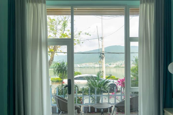 【普罗旺斯的春天】全湖景独栋别墅带私家花园〖和风房〗