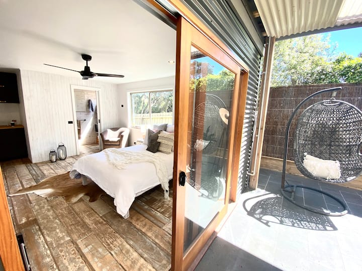 Tranquil Rye Studio, relax in style, walk to beach